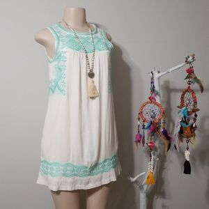 TEA & CUP BOUTIQUE EMBROIDERED & POCKETED DRESS!